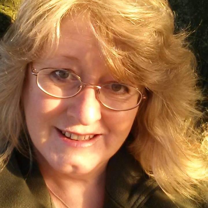 Lorraine profile pic